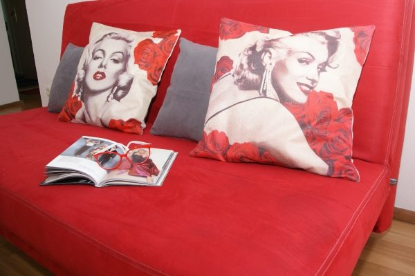 Marilyn Monroe Couch